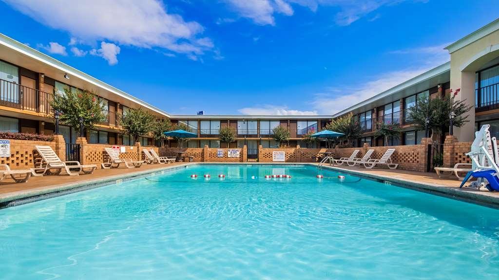 Best Western Greenville Airport Inn - Vista de la piscina