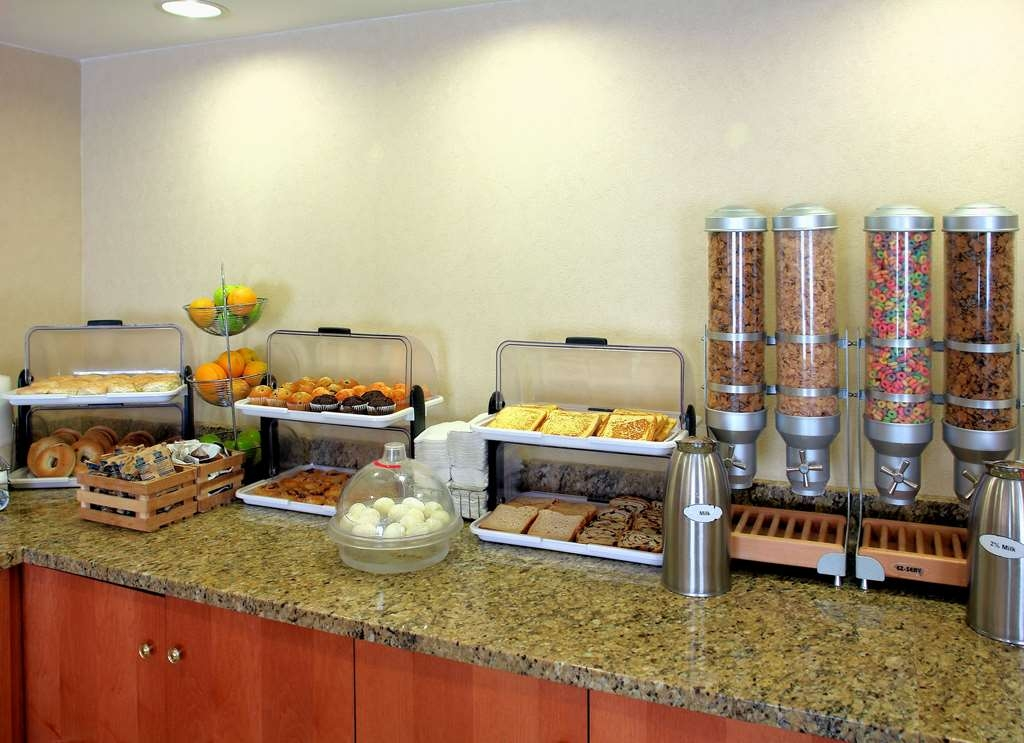 Best Western Executive Inn - Desayuno Buffet