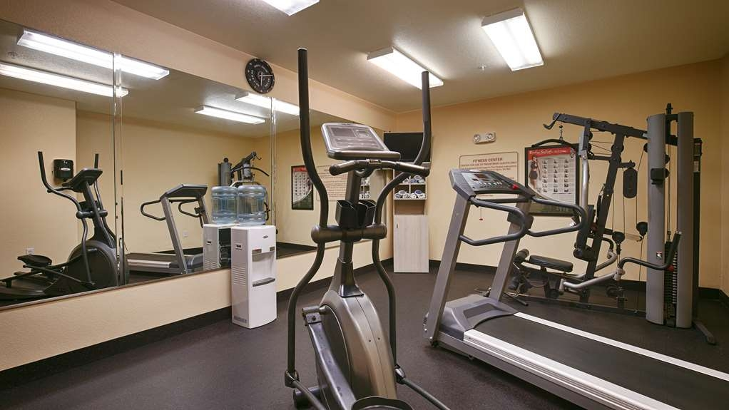 Best Western Sherwood Inn & Suites - Don't miss any of your workouts! We have a 24 hour fitness center available to all our guests.