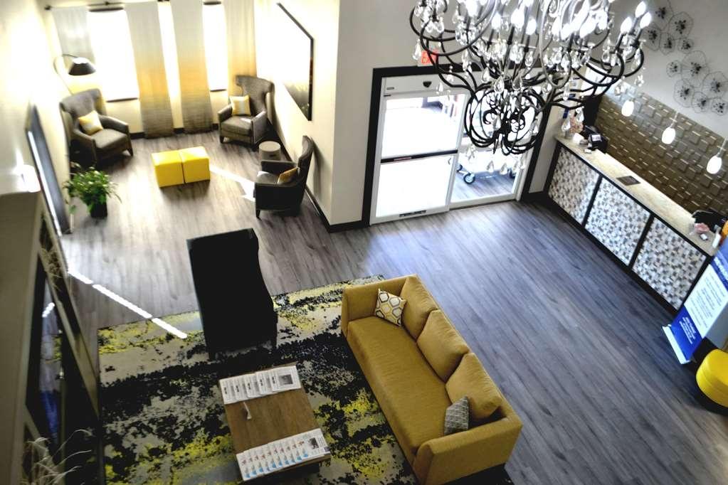 Best Western Sherwood Inn & Suites - Vista del vestíbulo