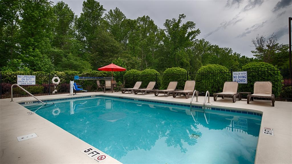 Best Western Plus Greenville South - Vista de la piscina
