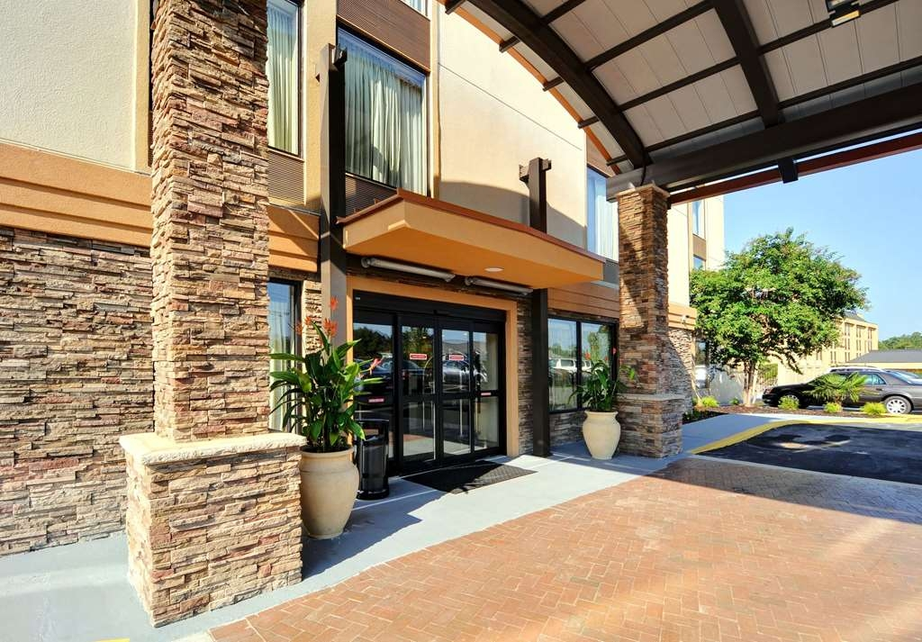 Best Western Plus Columbia North East - Hotel Exterior