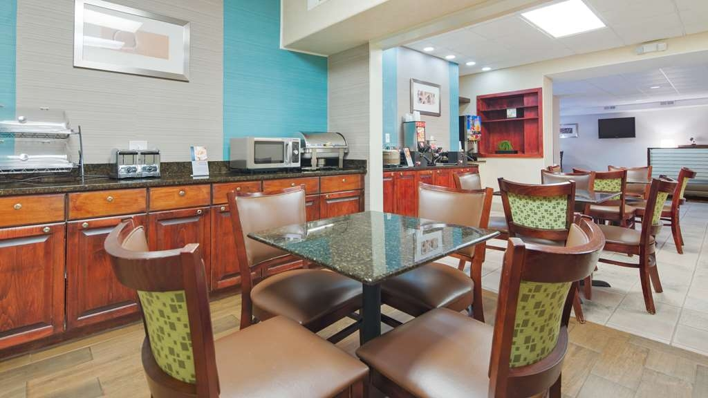 Best Western Pawleys Island - Rise and shine with a deluxe complimentary breakfast every morning.