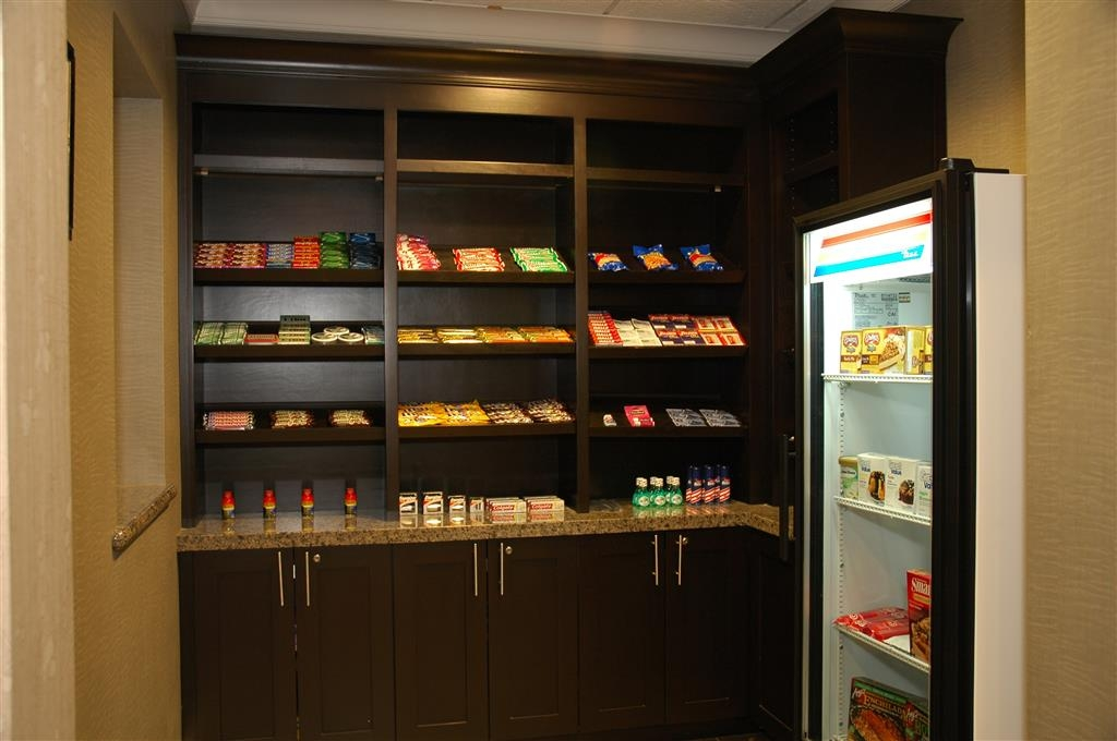 Best Western Plus Texarkana Inn & Suites - Having an evening craving? Enjoy our variety selection of snacks 24 hours a day in our Sundry Shop.