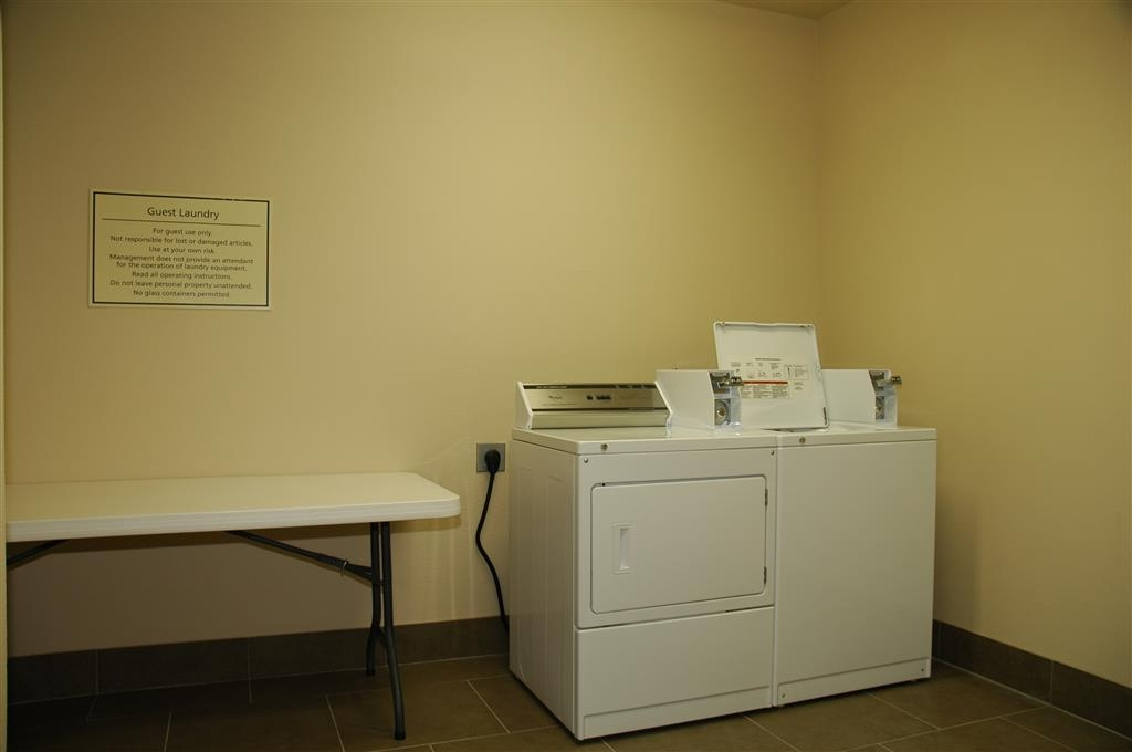 Best Western Plus Texarkana Inn & Suites - To ensure you are always able to look your best we provide guest laundry services.