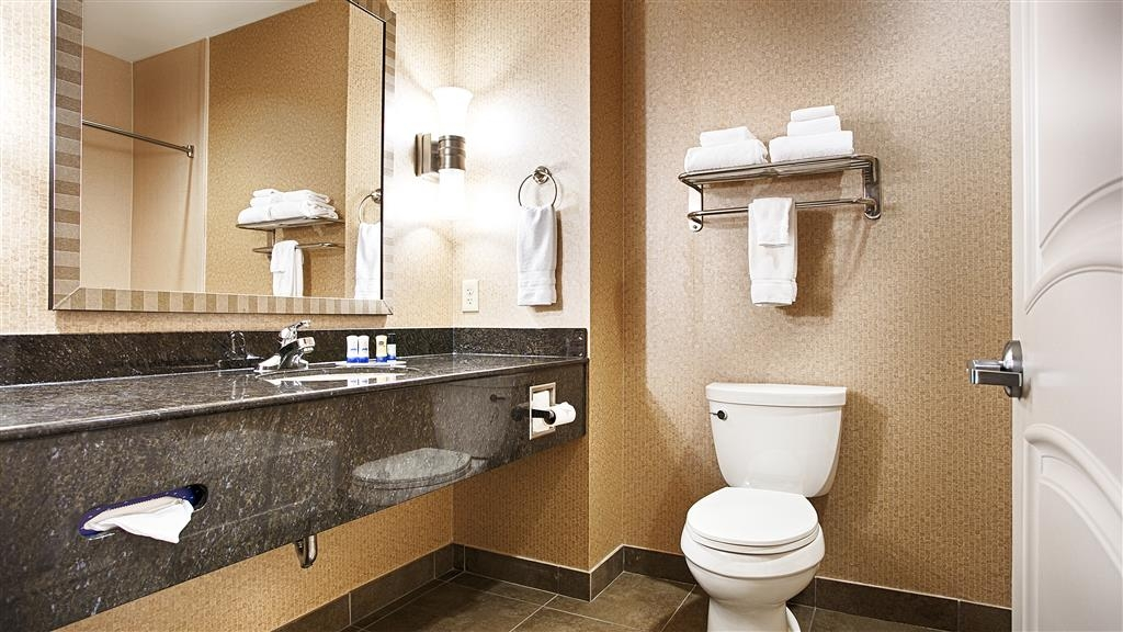 Best Western Plus Texarkana Inn & Suites - Badezimmer