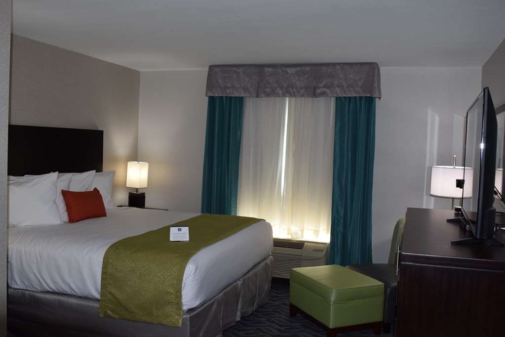 Best Western Plus Hardeeville Inn & Suites - 1 King Bed Guest Room