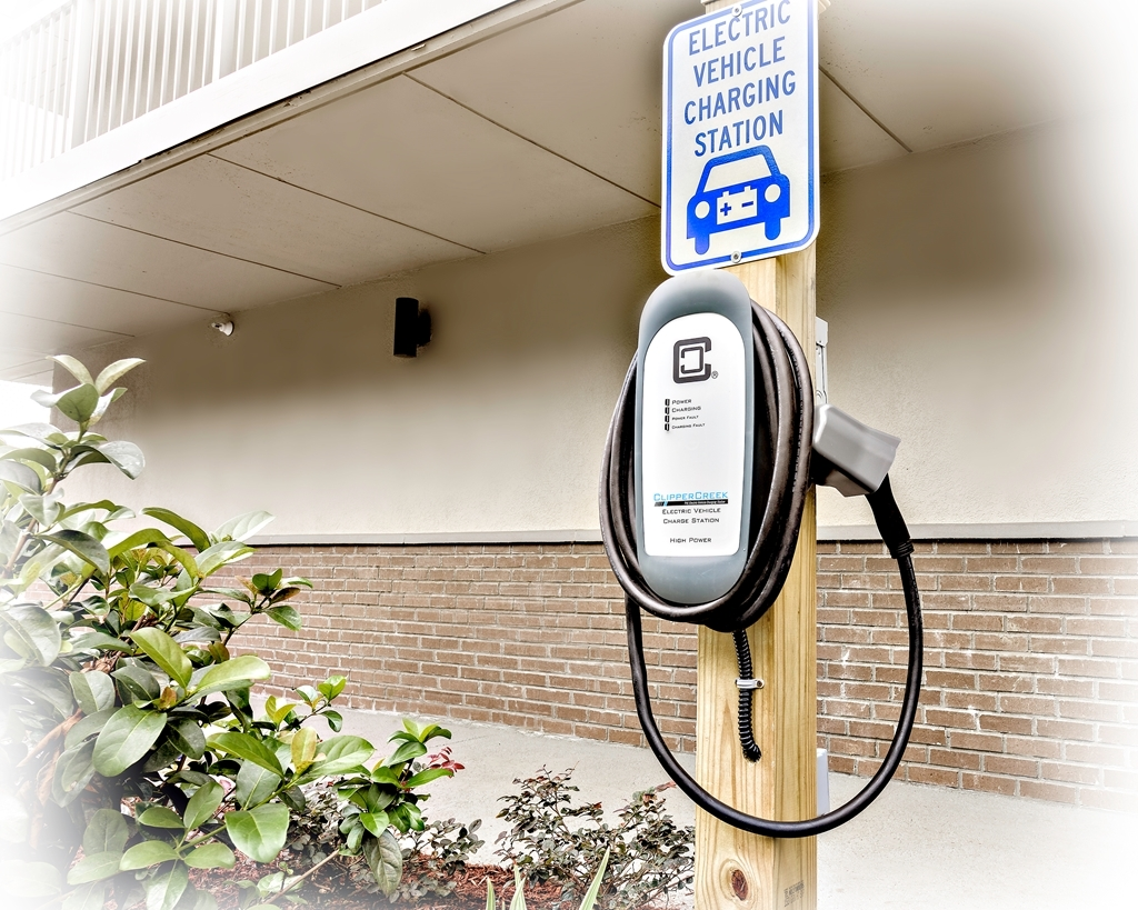 Best Western Ocean Breeze Inn - Need assistance with your electric car? We can help with our electric car charger.