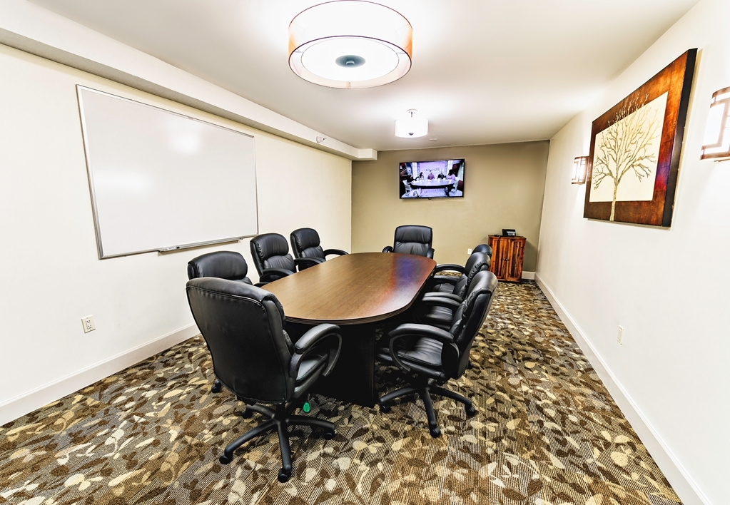 Best Western Ocean Breeze Inn - We offer the perfect conference room to exchange business ideas or strategies.