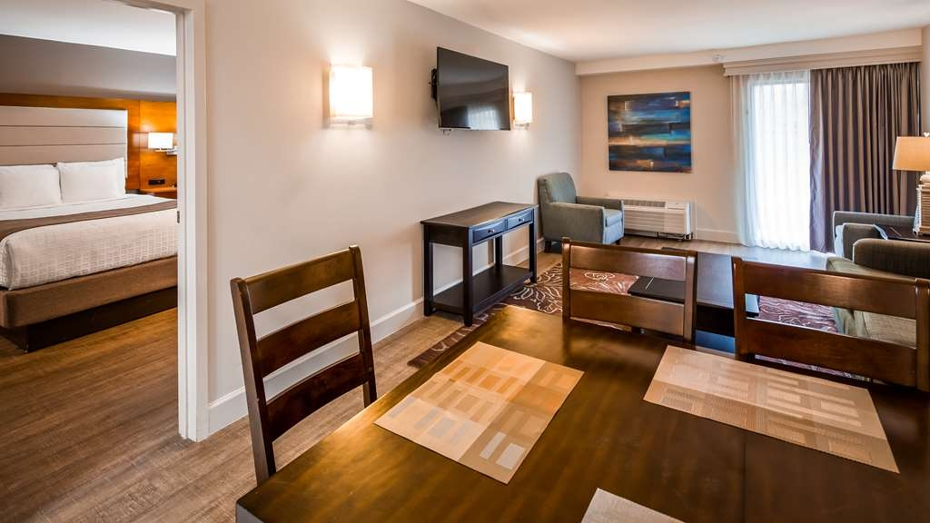 Best Western Ocean Breeze Inn - Suite