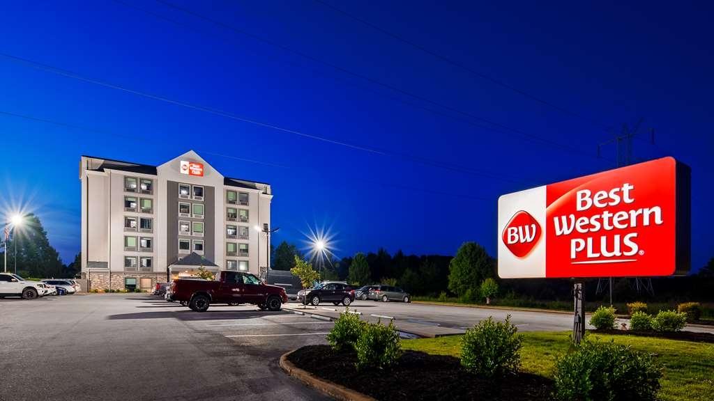 Best Western Plus Spartanburg - Facciata dell'albergo
