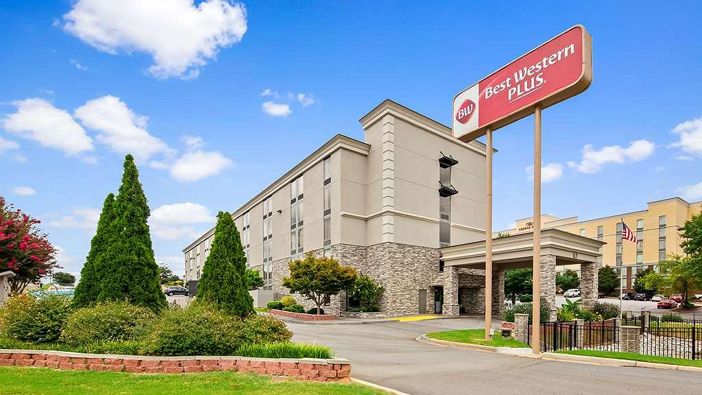 Best Western Plus Greenville I-385 Inn & Suites - Aussenansicht