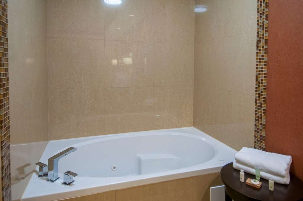 Best Western Plus JFK Inn & Suites - Zimmer