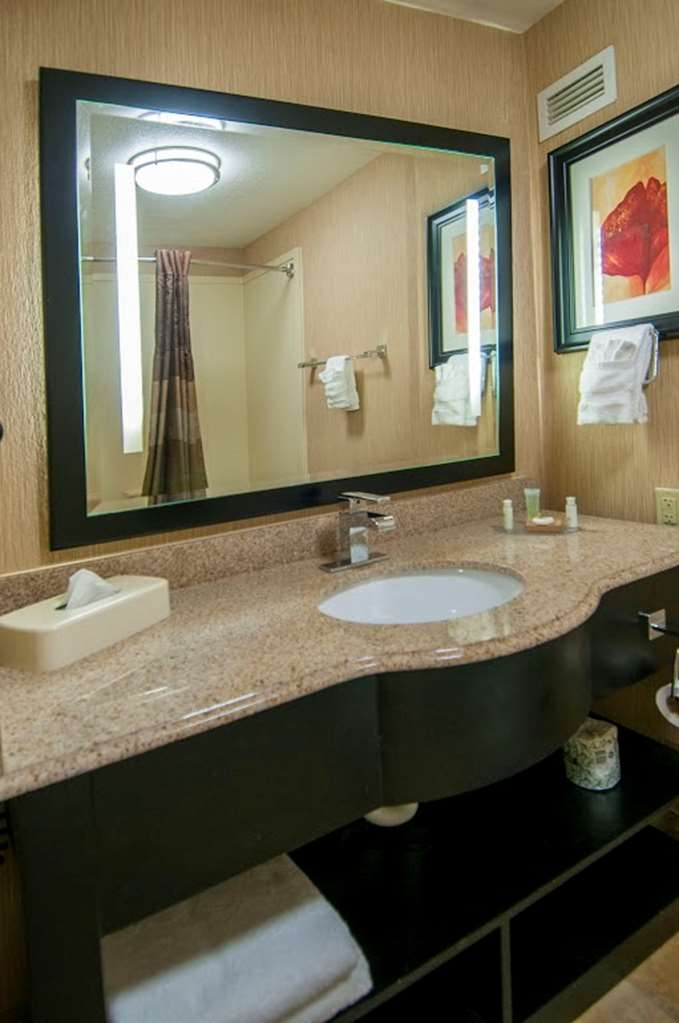 Best Western Plus JFK Inn & Suites - Badezimmer
