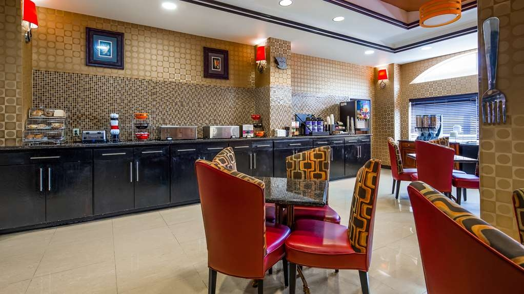 Best Western Plus JFK Inn & Suites - Restaurant / Gastronomie