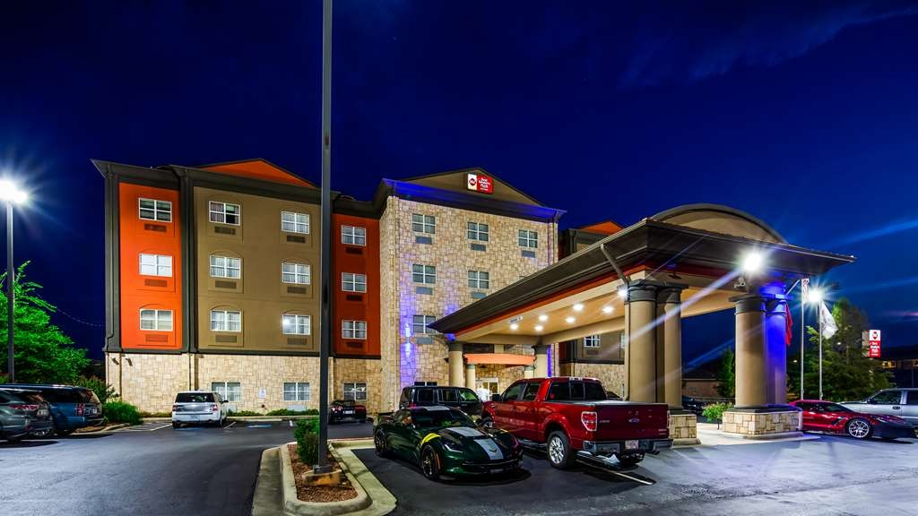 Best Western Plus JFK Inn & Suites - Außenansicht