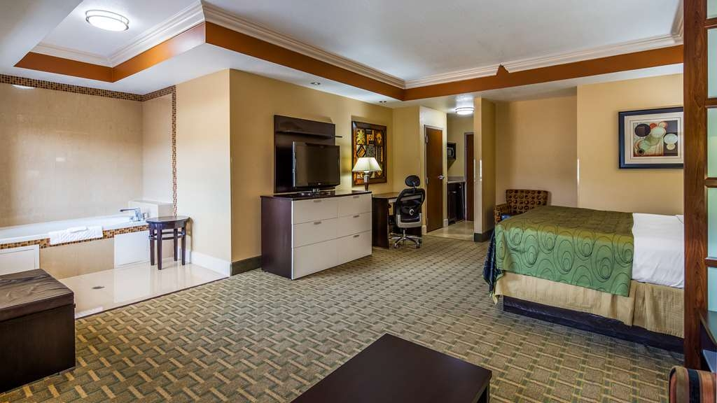 Best Western Plus JFK Inn & Suites - Suite