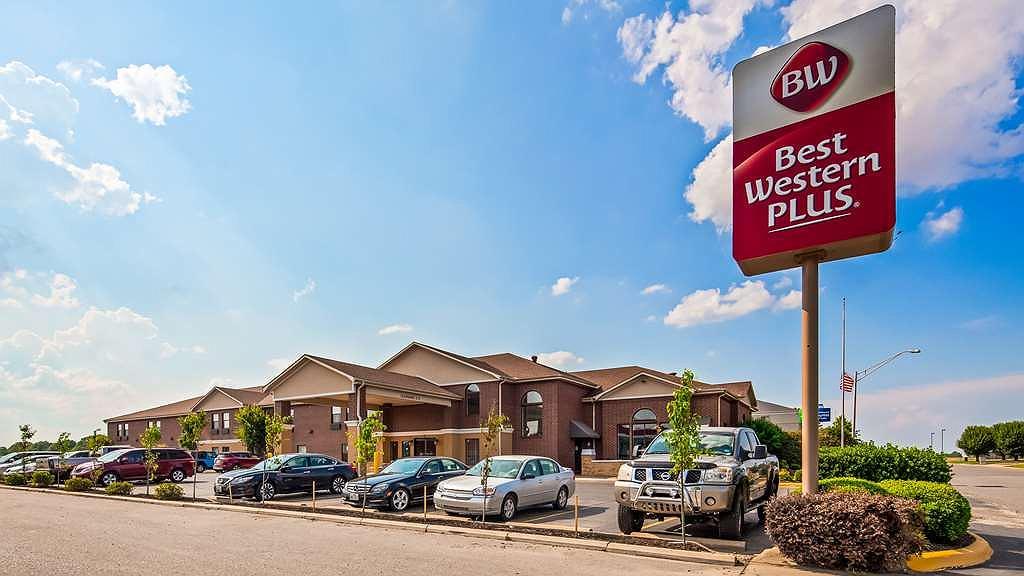 Best Western Plus Lonoke Hotel - Vista exterior
