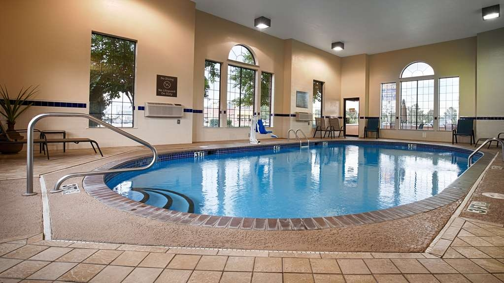 Best Western Plus Lonoke Hotel - Take a swim in our heated indoor swimming pool open year round.