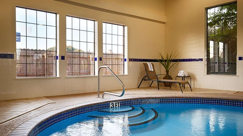 Best Western Plus Lonoke Hotel - Relax and feel rejuvenated with a swim in our indoor pool.