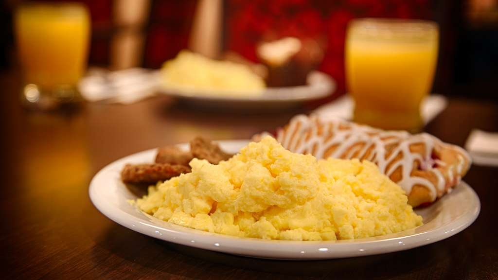 Best Western Plus Lonoke Hotel - Every day we offer a variety of breakfast options from eggs pastries and cereal.