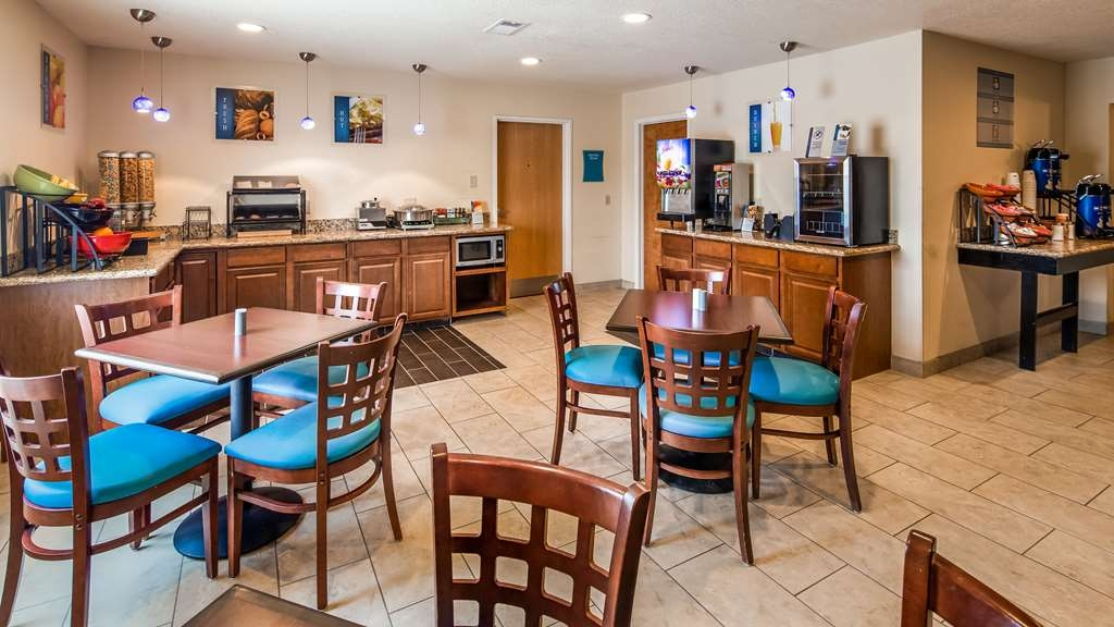 Best Western Plus Lonoke Hotel - Breakfast Area