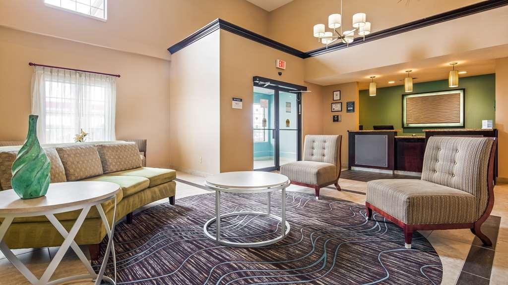 Best Western Plus Lonoke Hotel - Lobby