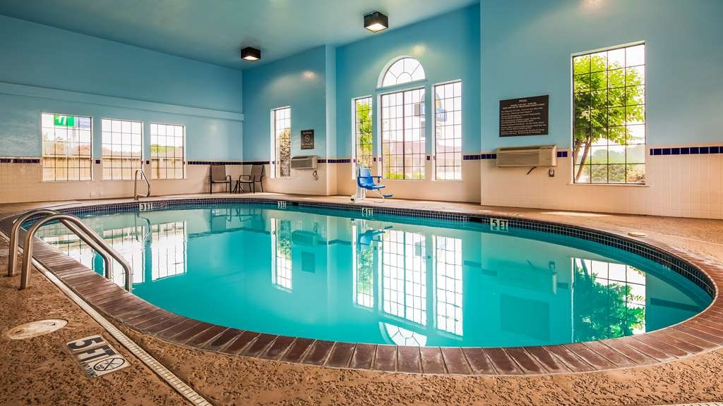 Best Western Plus Lonoke Hotel - Piscina