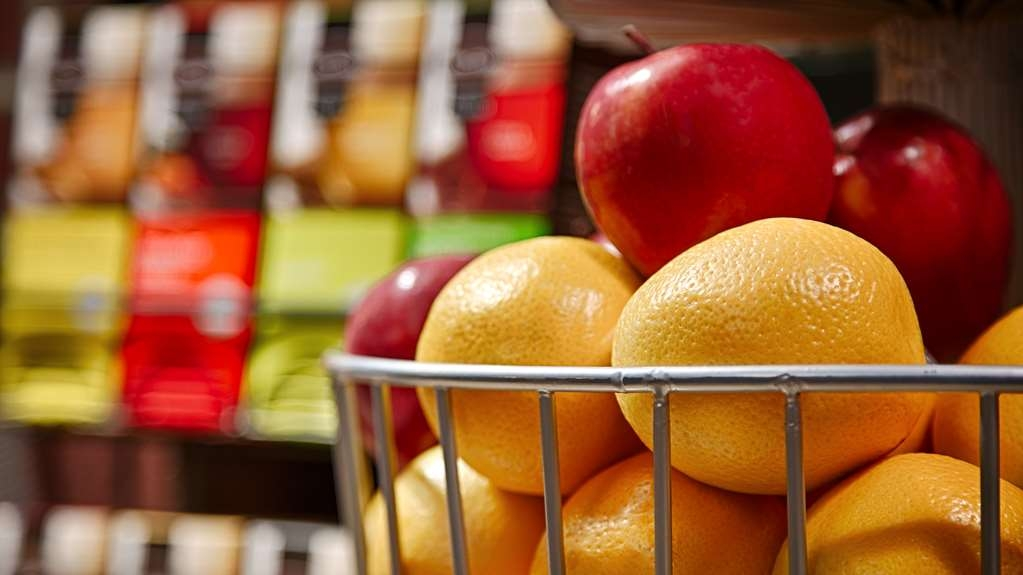 Best Western Plus Jonesboro Inn & Suites - Even if you're in a rush, grab an orange or apple on the go.