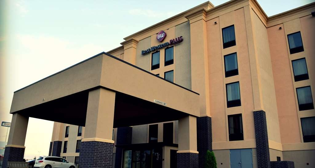 Best Western Plus Jonesboro Inn & Suites - No matter what time of year, we know you will love the Best Western Plus® Jonesboro Inn & Suites.