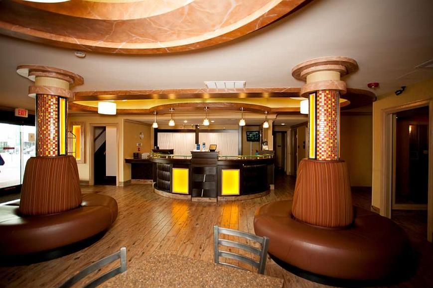Best Western Aspen Hotel - Vista del vestíbulo