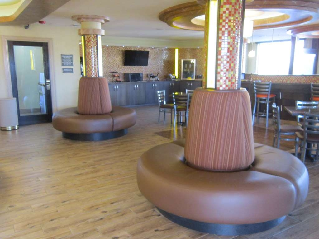 Best Western Aspen Hotel - Our lobby is the perfect spot to relax after a long day of work and travel.