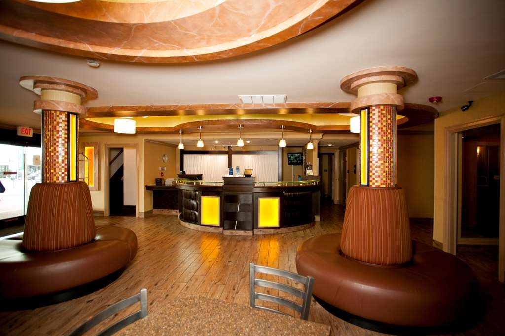 Best Western Aspen Hotel - Our front desk is happy to provide all the comforts of home for you during your stay.