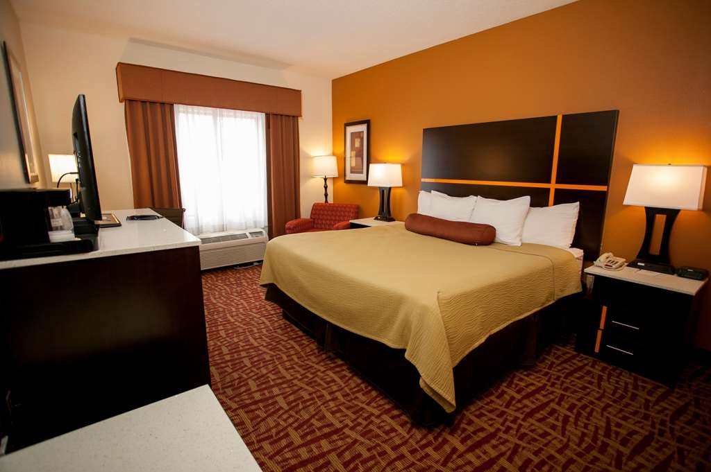 Best Western Aspen Hotel - We offer a variety of king rooms from standard to mobility accessible.