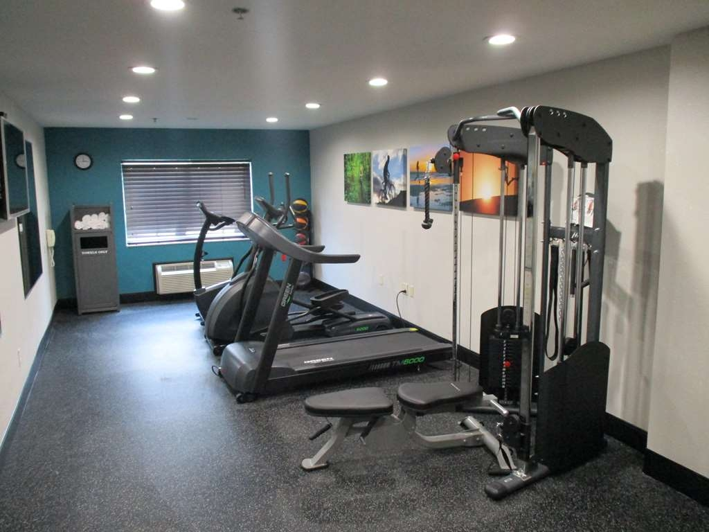 Best Western Presidential Hotel & Suites - Our fitness center is outfitted with everything you need for a great workout.