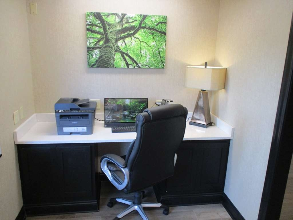 Best Western Presidential Hotel & Suites - Stay productive during your time away from home in our business center.