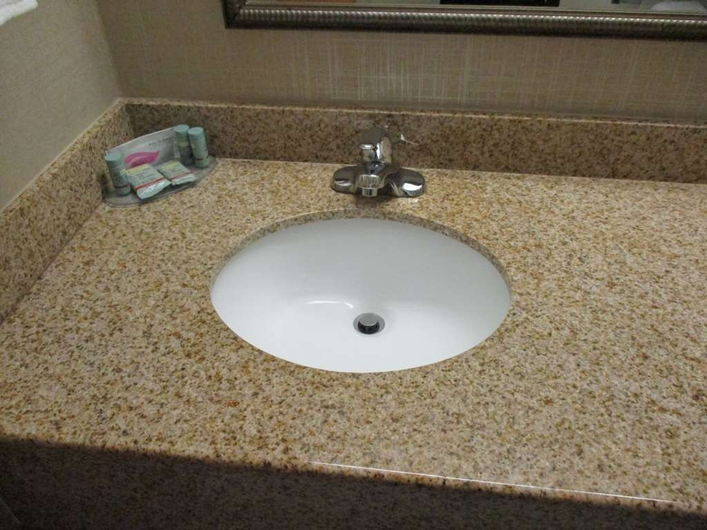 Best Western Presidential Hotel & Suites - All guest bathrooms have a large vanity with plenty of room to unpack the necessities.