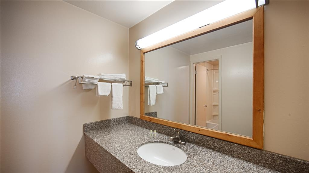 Best Western Lee's Motor Inn - Baño