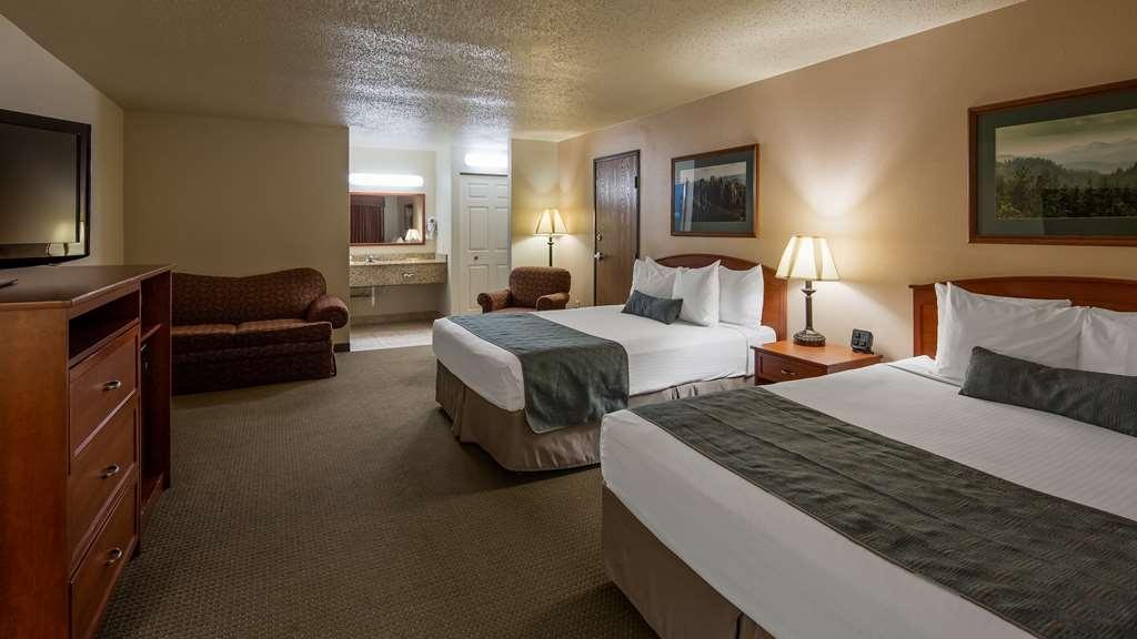 Best Western Buffalo Ridge Inn - Two Queen Guest Room