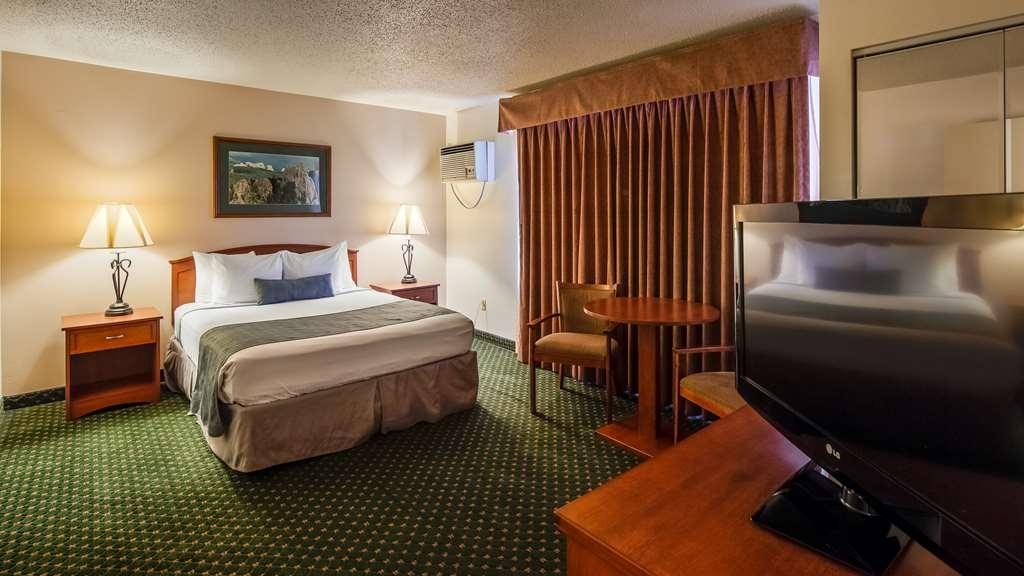 Best Western Buffalo Ridge Inn - One King Guest Room