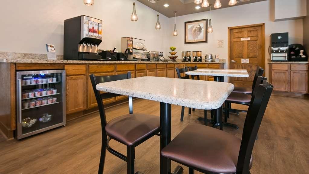 Best Western Buffalo Ridge Inn - Petit déjeuner
