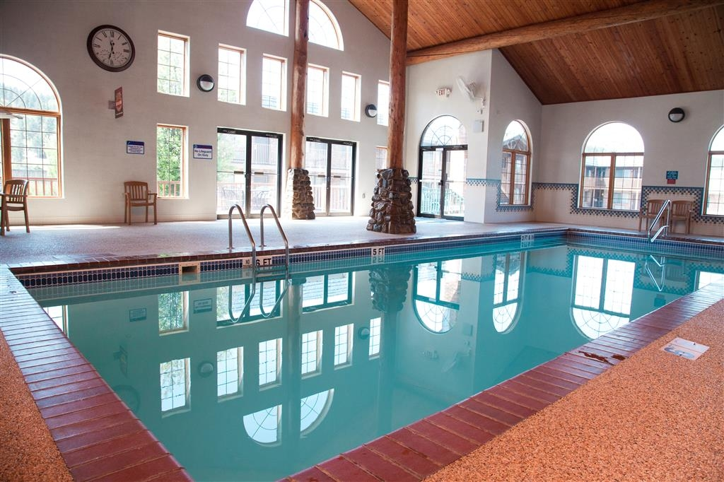 Best Western Golden Spike Inn & Suites - Go for a swim in our indoor pool after a long day of travel and feel refreshed.