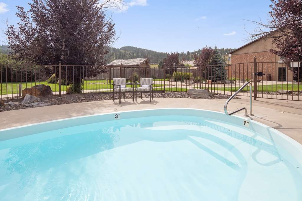 Best Western Golden Spike Inn & Suites - Vue de la piscine
