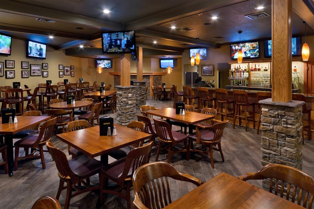 Best Western Plus Ramkota Hotel - Catch up on all the sports action with 12 flatscreen TVs with HD sports packages, great new menu and your favorite beverages.