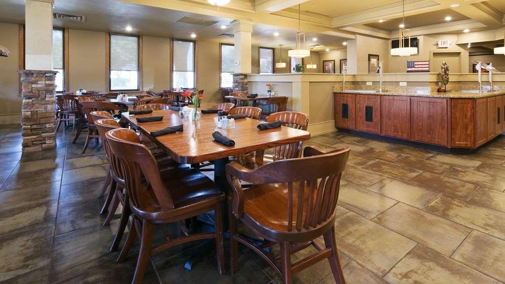 Best Western Plus Ramkota Hotel - Restaurant / Gastronomie