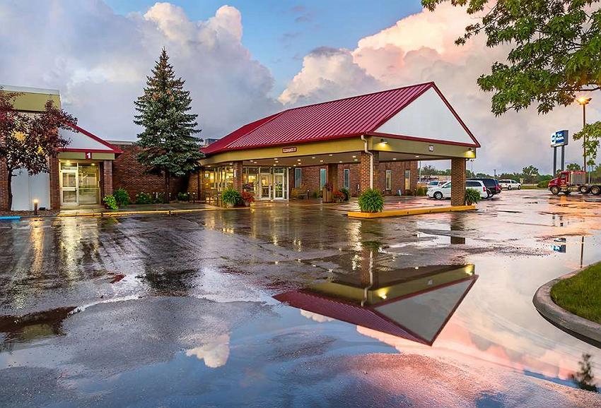 Best Western Ramkota Hotel - Vue extérieure