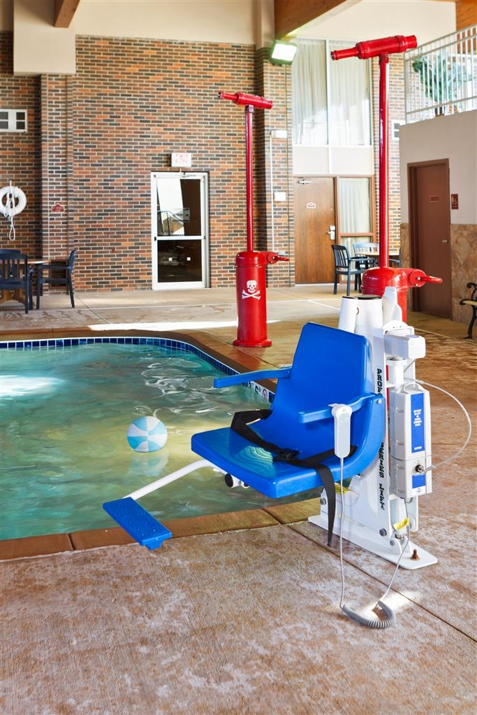 Best Western Ramkota Hotel - The indoor water playland has two water cannons and is fully accessible to ensure safe fun for everyone!