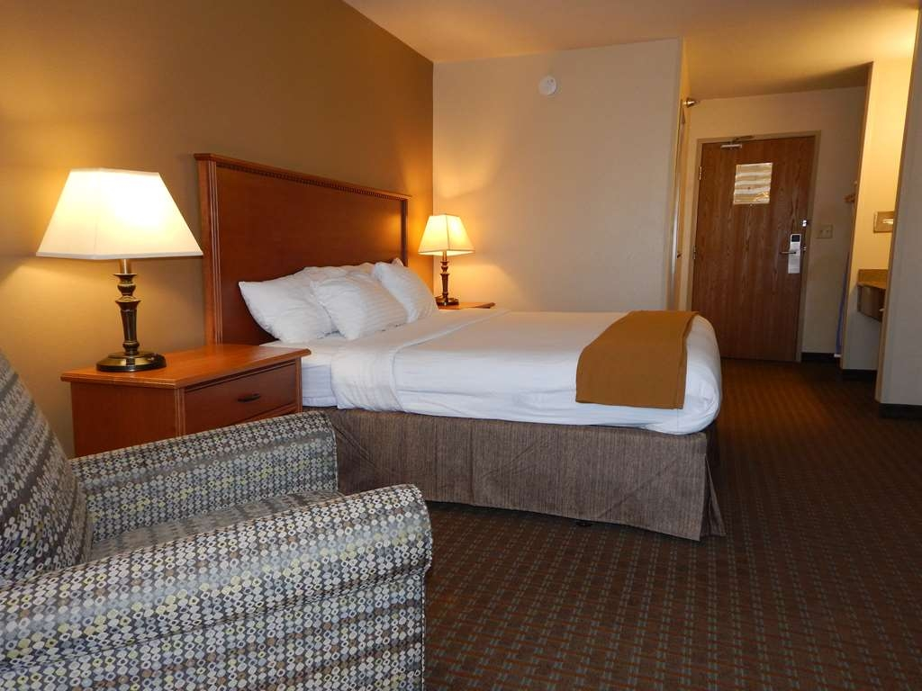 Best Western Empire Towers - King Room
