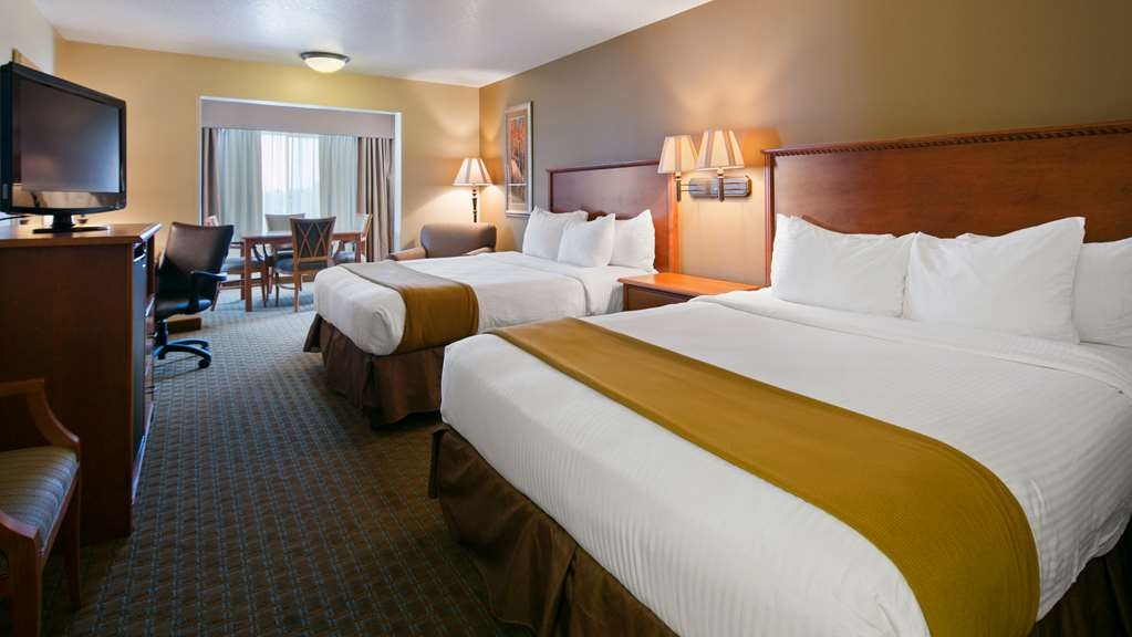 Best Western Empire Towers - Two Queen Tower Room with additional dining space.