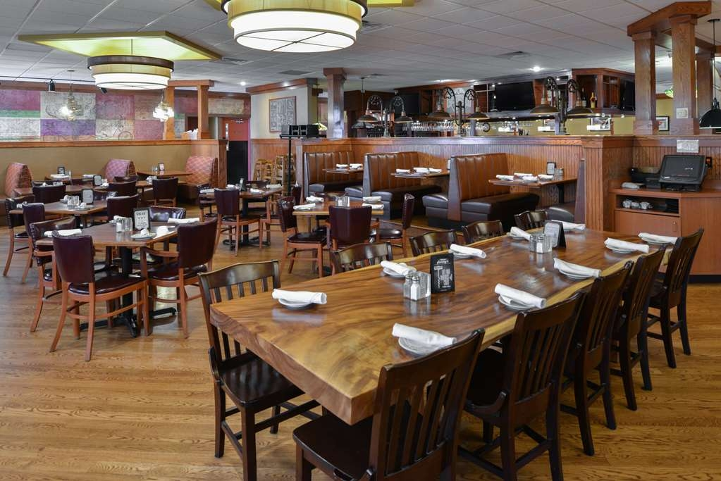 Best Western Kelly Inn - Minerva's Grill and Bar is our convenient on-site restaurant and is great for families or parties!